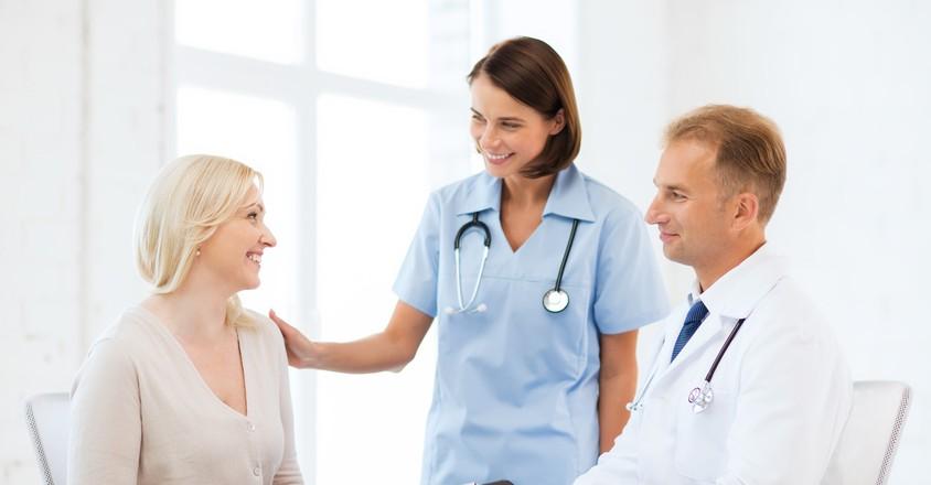 Женщина на приёме у врача